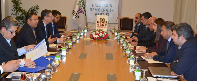 French and German delegations visit HDP's members